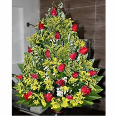 Image of Arrangement of red roses