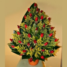 Image of Big red roses arrangement